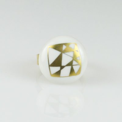 "Bague ronde en porcelaine, collection ""Graffik"""