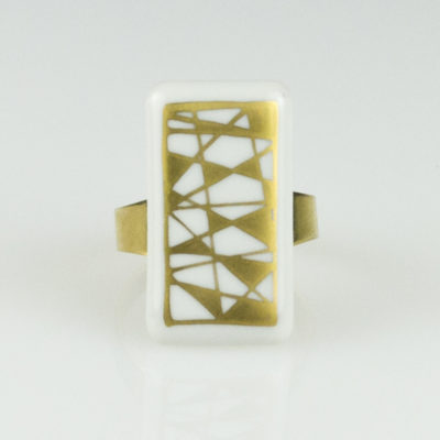 "Bague rectangle en porcelaine, collection ""Graffik"""